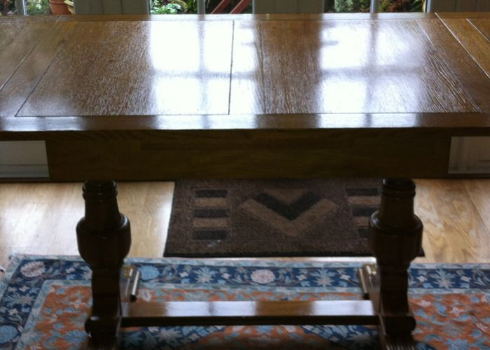 French polished table